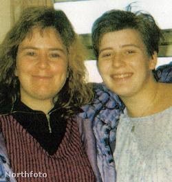 Emma Hern (jobbról) egy barátnőjével 1991. körül