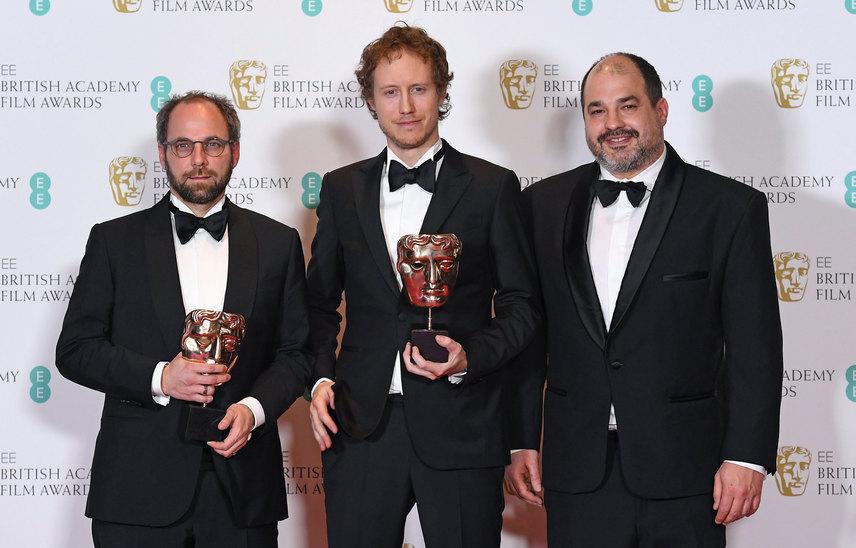 Nemes Jeles László rendező, valamint Sipos Gábor és Rajna Gábor producerek a BAFTA-díjkiosztón