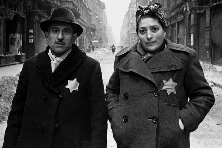 A kötelező sárga csillag, 1945.