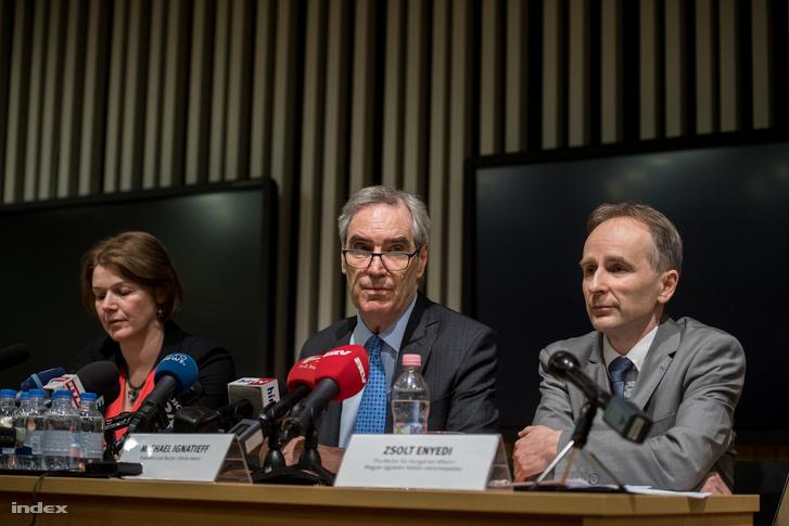 Michael Ignatieff egy korábbi CEU-s sajtótájékoztatón