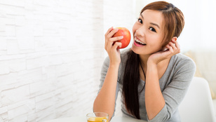 Ezért kapar a torkod bizonyos gyümölcsök vagy magvak után
