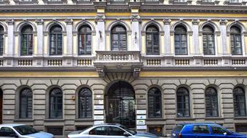 Úszik az adósságban Mészáros Lőrinc médiacége