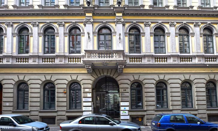 Az Opimus Press székhelye a Révay utcában