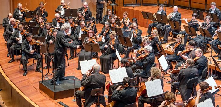 Nemzeti Filharmonikusok és Kocsis Zoltán: a hegedűk egy oldalon