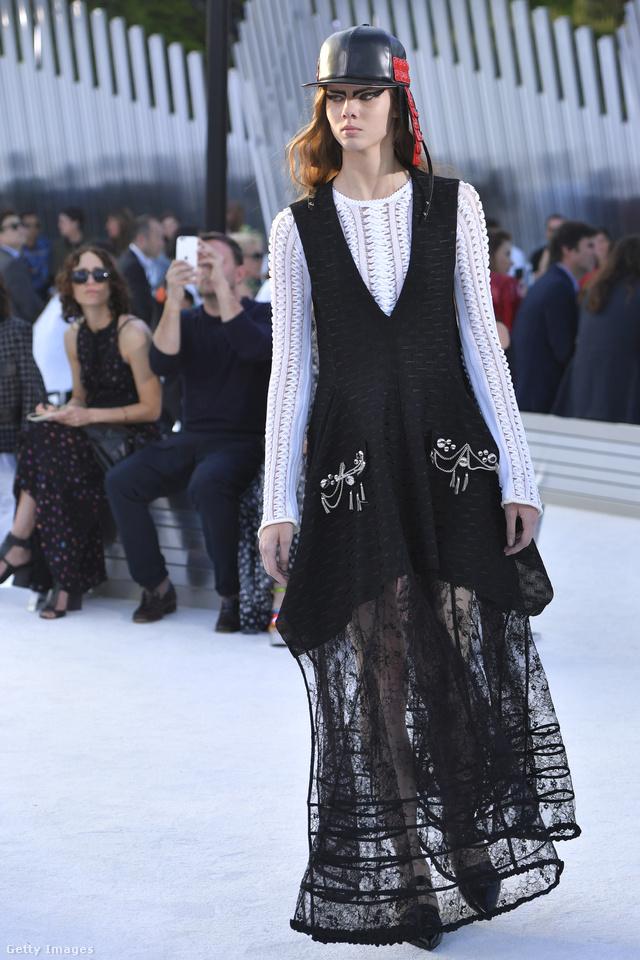 A kiotói Miho Múzeumban mutatta be kollekcióját a Louis Vuitton.