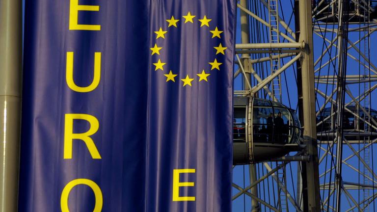 Csak meg ne álljon Brüsszel!