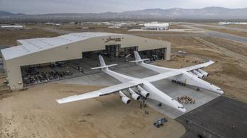 Már tesztelik a világ legnagyobb repülőgépét