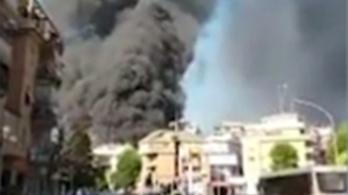 Óriási füst gomolyog a Vatikán környékén