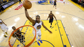 Durant kicsinálta LeBronékat a döntő első meccsén