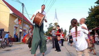 Törőcsik Mari és Cseh Tamás tizedik fesztiválján Hajdu Szabolcs is díszvendég lesz