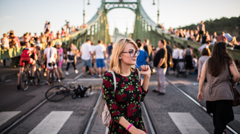 Négy nyári hétvégén a gyalogosoké a Szabadság híd