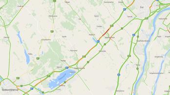Több kilométeres a dugó van az M7-esen, a Balaton felé