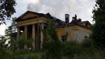Magántulajdonban van a XII. kerületben kigyulladt villa