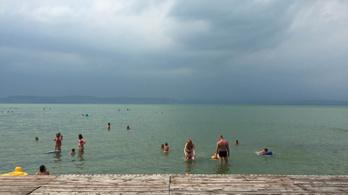 A Balatonba fulladt egy 19 éves fiú