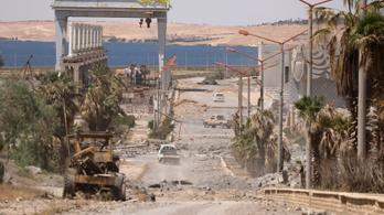 Rakkából menekülő civileket ért koalíciós légicsapás Szíriában