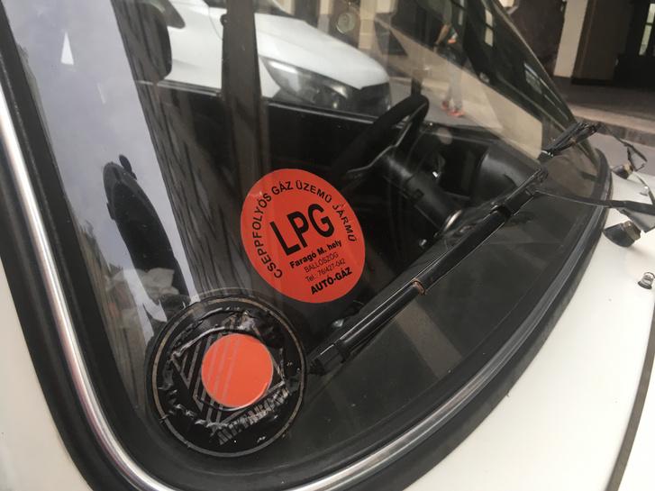 Sportosított motor, de gázüzem? Vagy éppen hogy a gázüzemre optimalizálták gaálék a Lada motort?