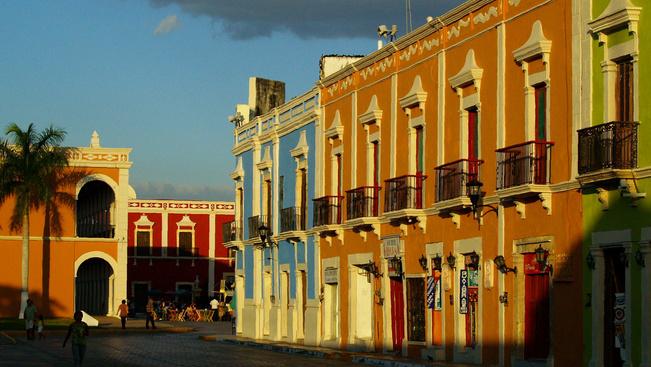 A világ legszínesebb kisvárosai és egy szivárványfalu