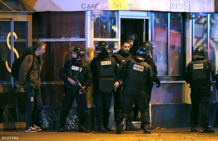 A koncertteremben zajló túszdráma hajnali 1 kor ért véget, a rendőrök lelőtték a két támadót. Odabenn meg nem erősített hírek szerint száz halott is lehet.