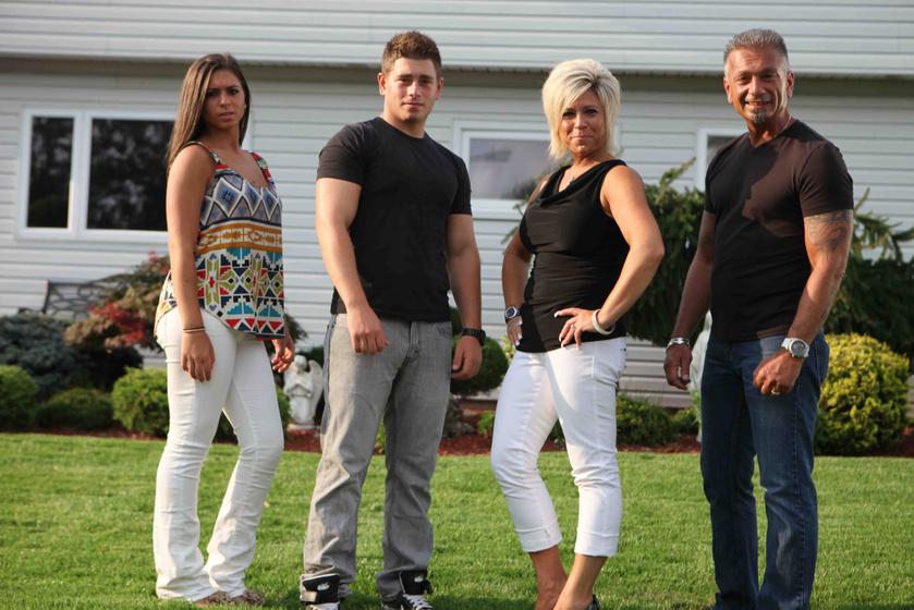 Theresa és családja, akik a műsor reality részének állandó szereplői