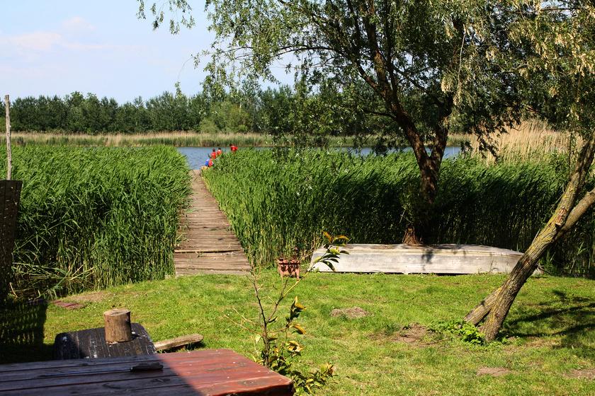 Fadd-Dombori a csend és nyugalom birodalma, ahol a fürdeni és horgászni vágyók is jól érzik magukat.