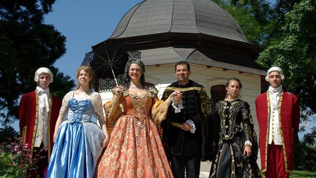 Korhű koronázási ceremóniára készülnek a hétvégén Gödöllőn