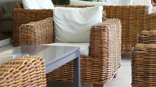 Így tartsd tisztán a kerti bútorokat