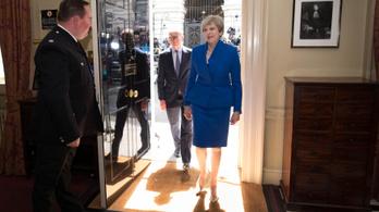 Theresa May, eddigi kormányfő koalícióval menti meg a székét, azt mondja, nem csúszik a brexit