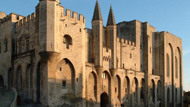 Augusztusban Avignon minden műemléke fényjátékot kap