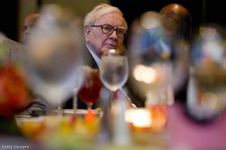 Warren Buffet egy öt évvel ezelőtti vacsorával összekötött eseményen