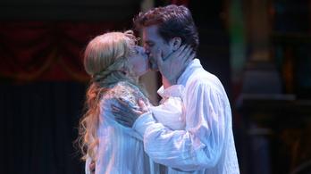 Szerelmes Shakespeare: a mozi után a Madách színpadán