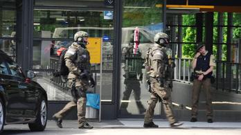 Fejbe lőttek egy rendőrnőt Münchenben