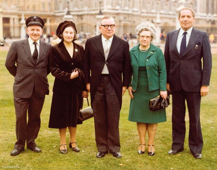 1973 és 1978 között a brit titkosszolgálat igazgatója volt és bár ezt követően nyugdíjba ment, 1979-ben vissza kellett térnie a munkába.