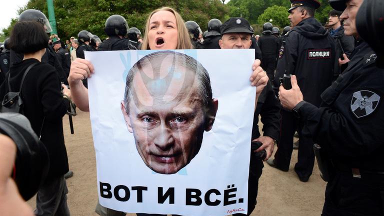 Putyin nem fél a tüntetésektől, de azért 1500 embert előállítottak