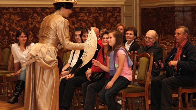 100/100-as családi program: Tárlatvezetés másként, zárás után a Nemzeti Múzeumban