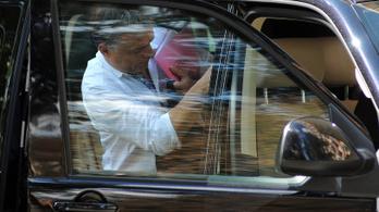 Orbán háromhetes szabadságot tervez
