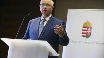 Miniszter a civileknek: Számomra nem ismeretes a polgári engedetlenség