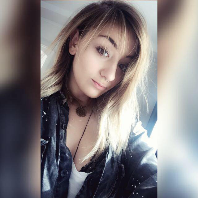 Ha ön segített ennek a lánynak a Kálvin téren, kérjük, jelentkezzen!