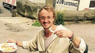 Ön megállna, ha Draco Malfoy gitározna az orra előtt? A prágai járókelők nem