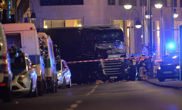 A tavalyi berlini karácsonyi vásár halálkamionja. Hamarosan elkerülhetőek lesznek a hasonló támadások?