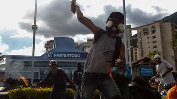 Halálra gázolt egy teherautó egy tüntetőt Venezuelában