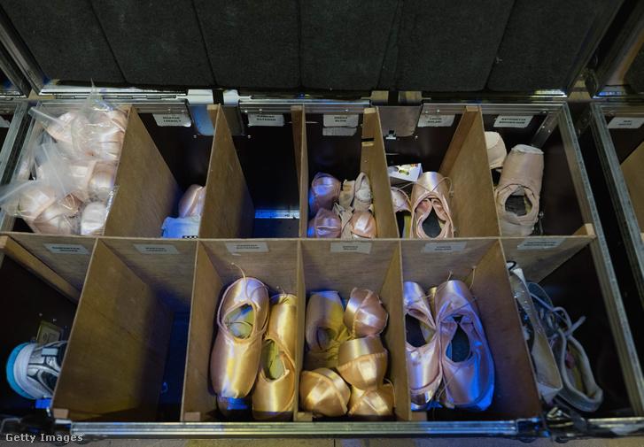 Spicc-cipők bevetés előtt a Northern Ballet színfalai mögött, A diótörő előtt