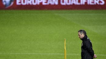 Storck kifizeti a belépőt a szurkolóknak a lett és a portugál meccsre