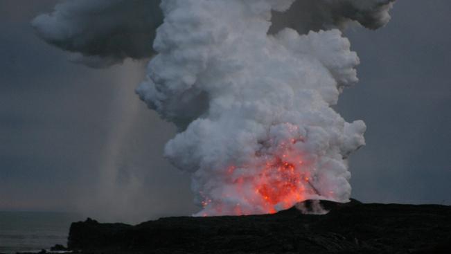Nászéjszakai forróság: aludjon a világ legaktívabb vulkánján