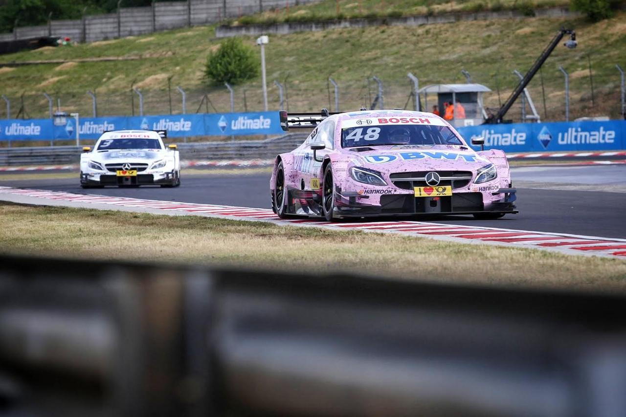 Mercedes-sorminta, itt még Di Resta hátul