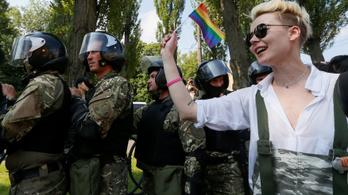 Ötezer rendőr védte az ezer fős Pride-ot Kijevben