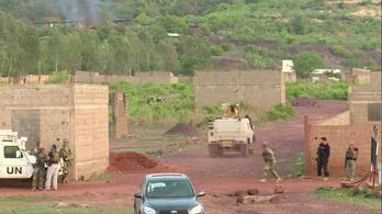 Fegyveresek megtámadtak egy luxus üdülőhelyet Maliban