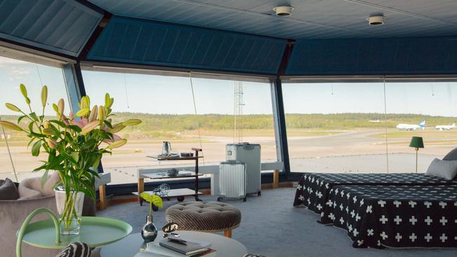 Aludjon a stockholmi reptér bérelhető irányítótornyában!