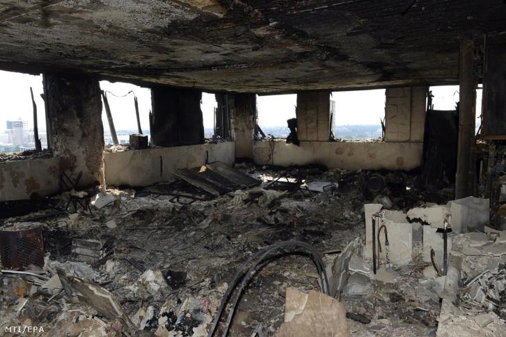 A kiégett ház egyik felső emelete