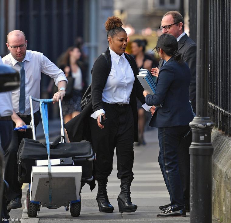 Janet Jackson a bíróság előtt