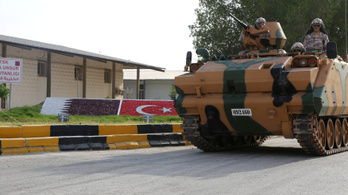 Török csapatok hadgyakorlatoznak Katarban